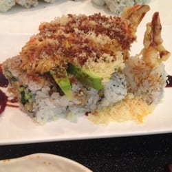 Nikko Sushi And Hibachi - Reston roll - shrimp and cucumber topped with avocado, spicy crab, and eel sauce. - Reston, VA, Vereinigte Staaten