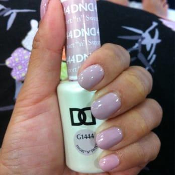 Titi nail spa 66 photos nail salons santa monica for 4 sisters nail salon hours