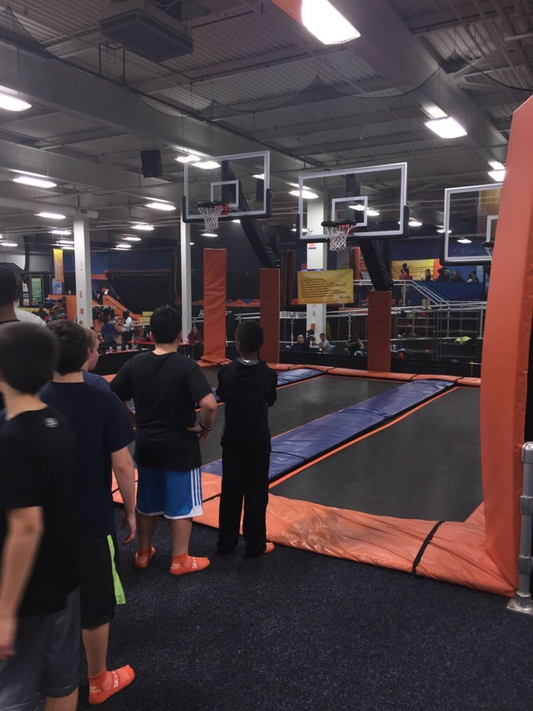 Oaks (PA) United States  city photos gallery : ... Zone Indoor Trampoline Park Oaks, PA, United States. Sky Slam Court