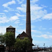 "Albert Dock's ""The Pumphouse"" am Mersey, Liverpool"