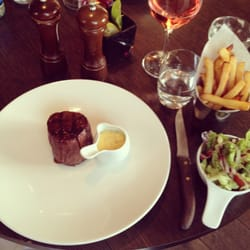 21 day aged fillet with twice cooked chips, salad & bernaise sauce