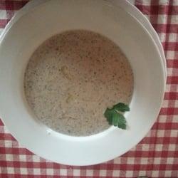 champignonsuppe mit trüffelöl
