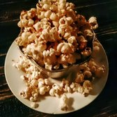 Dolce Bistro & Bakery - Montclair, CA, États-Unis. maple-bacon-cumin popcorn