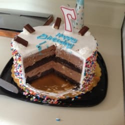 Cold Stone Ice Cream Cake Review