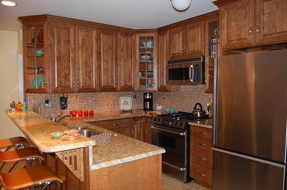 Beautiful maple kitchen with granite counter tops yelp for Bath remodel honolulu