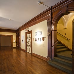 Philadelphia Art Alliance - Philadelphie, PA, États-Unis. Looking for a a romantic location for a cocktail event...Ask us about our gallery spaces.