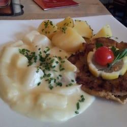 Wiener Schnitzel mit Spargelgemùse.