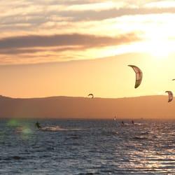 Sonnenuntergang Kitesurfing -…