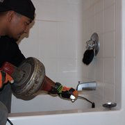 Integrity Plumbing - La Verne, CA, États-Unis. Cleaning drains is what we do