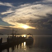 Snook's Bayside Restaurant - Beautiful sunset from our table - Key Largo, FL, Vereinigte Staaten