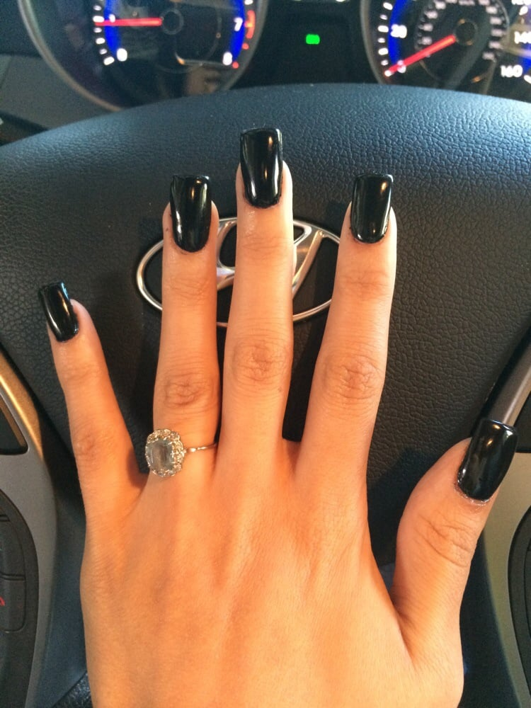 Avalon - Palo Alto, CA, United States. Love my nails, she used black