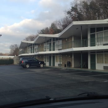 Colony House Motor Lodge 38 Photos Hotels Roanoke