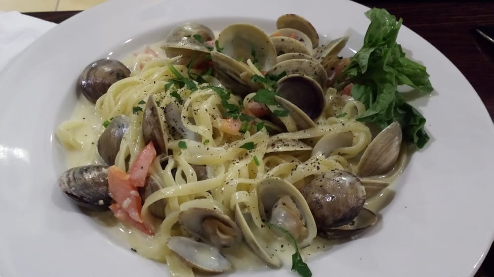 Pizza & Pasta - Linguine with Manila clams (excellent portion of clams ...