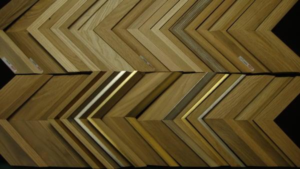 i2 Study Atelier d'encadrement d'Art baguettes bois brut et contemporaines de l'atelier  # Baguette Encadrement Bois Brut