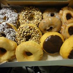 Ken's Donuts - A box of amazing-ness! - Austin, TX, Vereinigte Staaten
