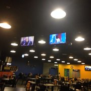 Wholly Cow Burgers, Rings & Things - TVs w/sports on! - Abilene, TX, Vereinigte Staaten