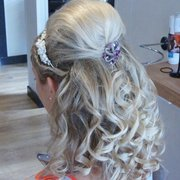 J Lowes Unisex Hair Salon, St. Helens, Merseyside