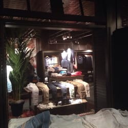 Hollister Co. - The Mall at Millenia