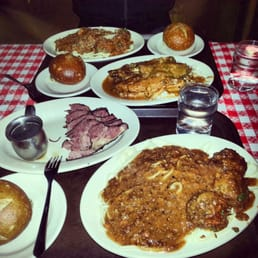 Tommy's Joynt - San Francisco, CA, États-Unis. Post Workout Meal: Spaghetti and Meatballs, Pastrami, and Turkey Legs!