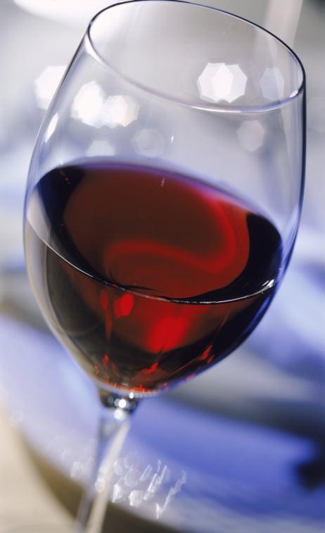 vin rouge a boire en aperitif. Black Bedroom Furniture Sets. Home Design Ideas