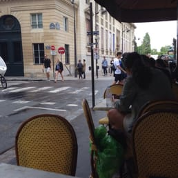 Sidewalk cafe near the musee d'orsay