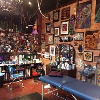 Black vulture gallery 26 photos 15 reviews tattoo for Tattoo shops near philadelphia pa