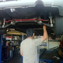 El Camino Mufflers - Owner-Operator-Muffler Pro, Armando working on my Integra GS-R cat back exhaust. - Santa Clara, CA, Vereinigte Staaten