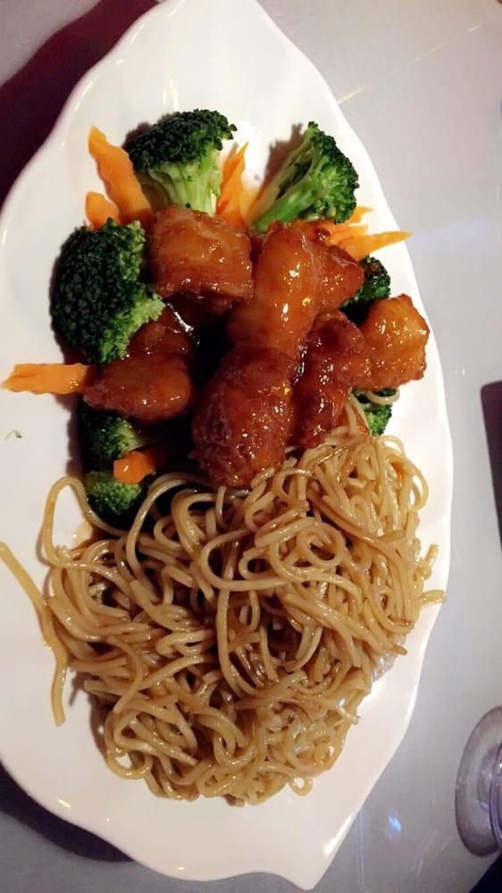 Orange chicken w lo mein yelp for Ano thai lao cuisine