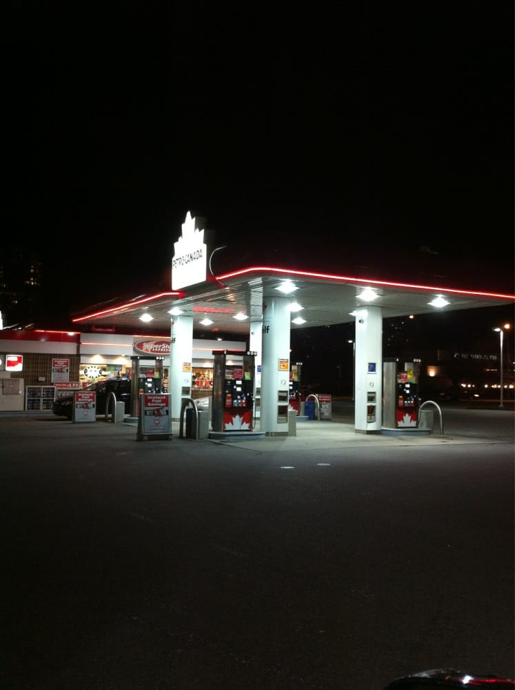 New Westminster (BC) Canada  city images : Petro Canada Gas & Service Stations New Westminster, BC Reviews ...