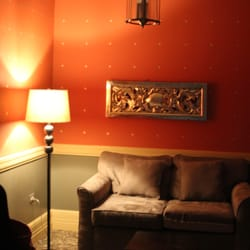 The Webster Apartments - one of the beautiful parlors downstairs you can relax in - New York, NY, Vereinigte Staaten