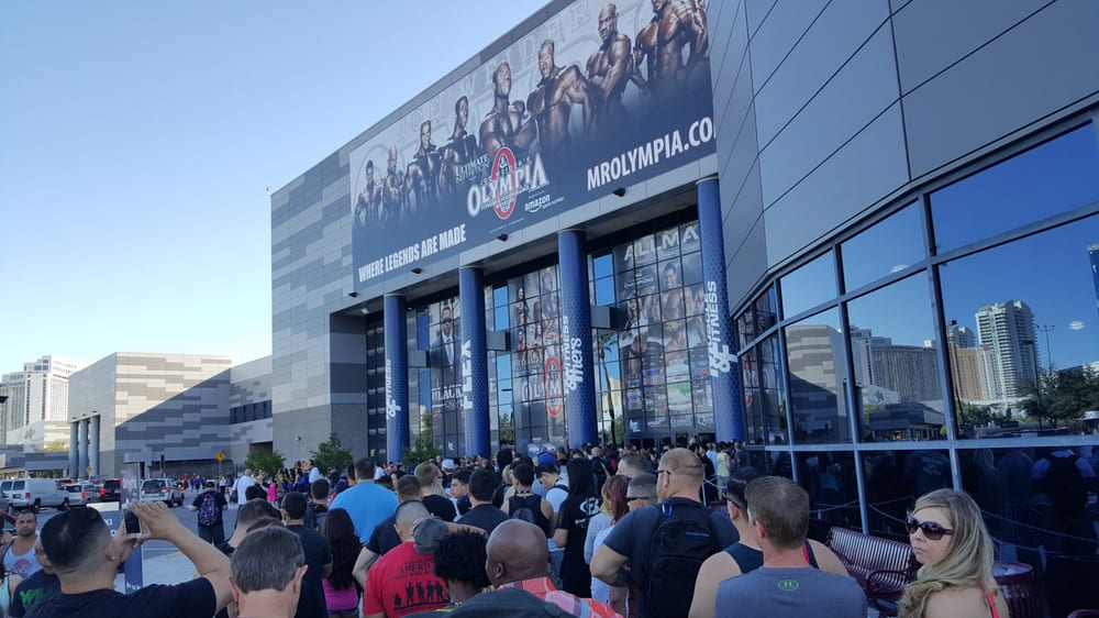 Mr Olympia Expo - Las Vegas, NV, United States. In cash line, Olympia Expo 2015