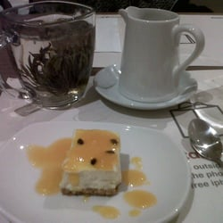 Passionfruit cheesecake + flower tea = amazing