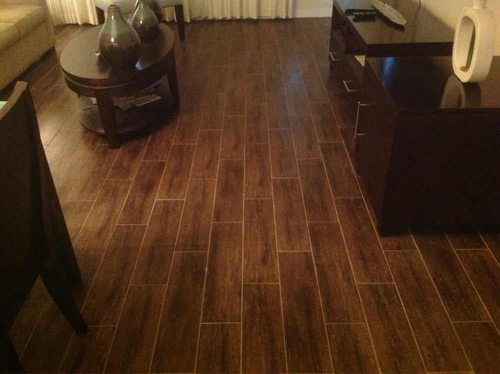 Porcelain tile wood look perfect alternative to real for Wood floor alternatives