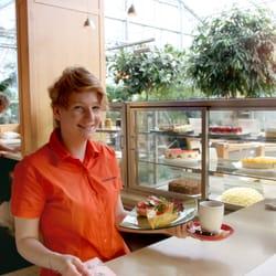 Besuchen Sie auch unser Café-Restaurant…
