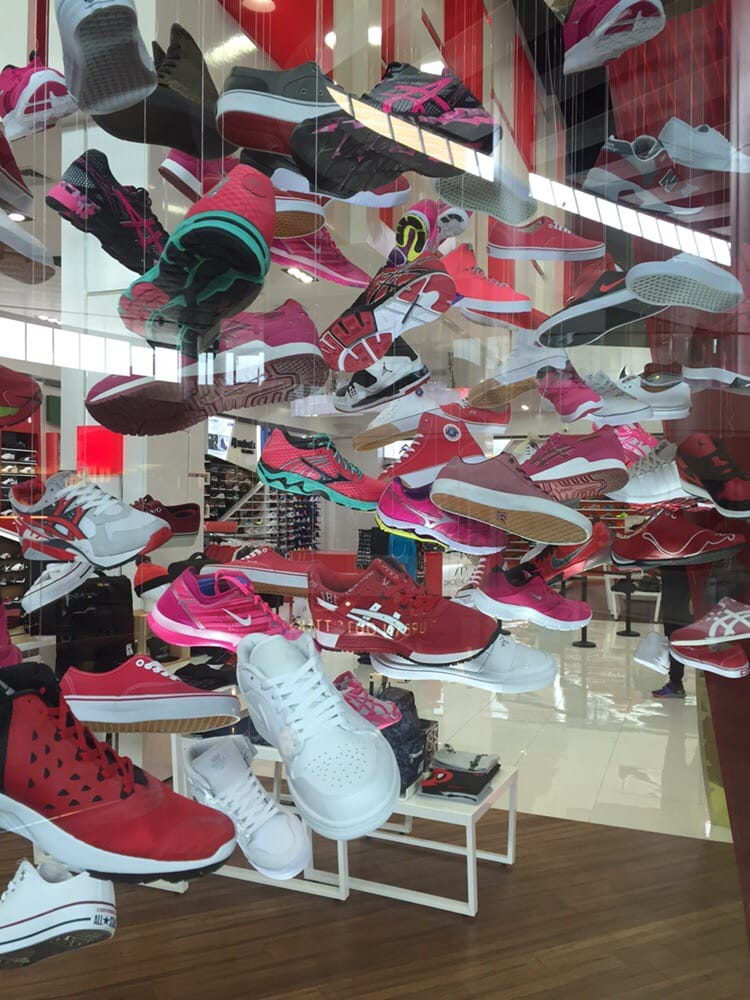 Vegas Shoe Stores On The Strip