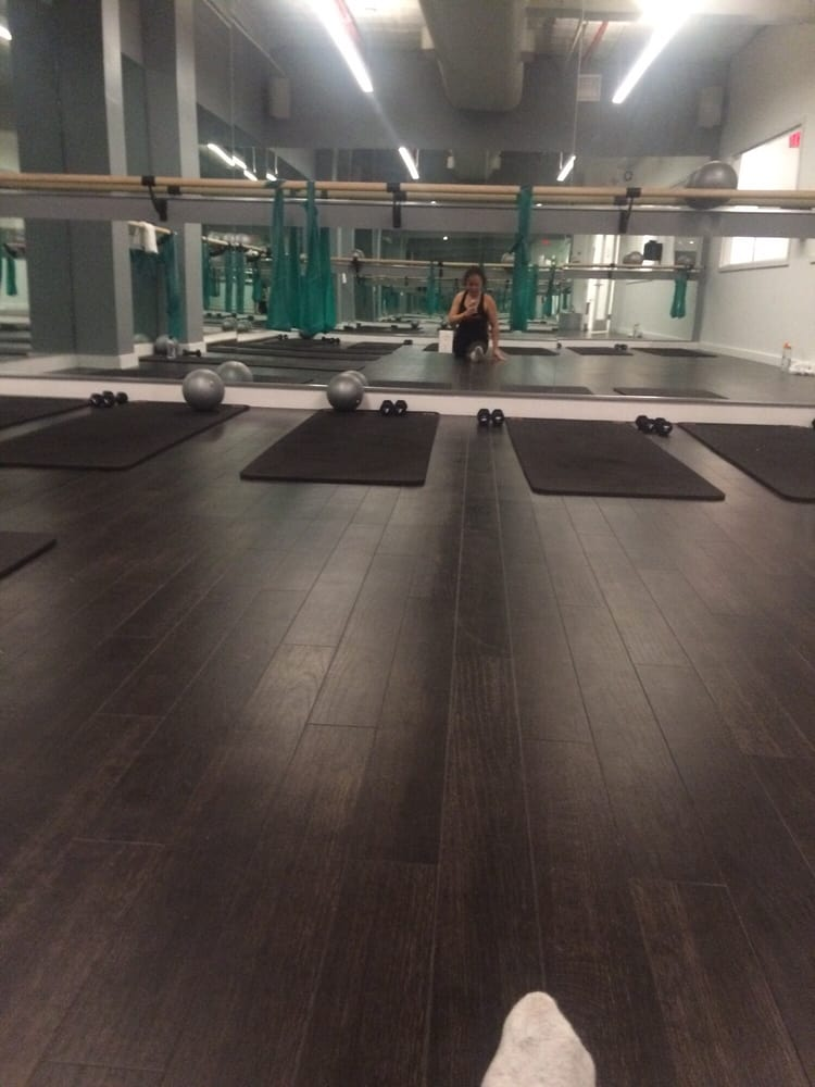 Flex studios barre classes greenwich village new for 1633 broadway 3rd floor new york ny 10019