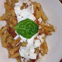 Pasta con Pesto Rosso