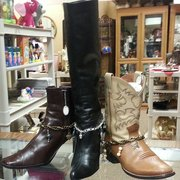 """Affordable Home Furnishings Artists & Crafters Boutique - Three different ways to wear my """"Boot Jewelry"""" displayed at Jewelery by Rebecca - Salinas, CA, Vereinigte Staaten"""