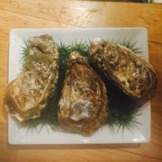 Le Saint-germain - Toulouse, France. I have to order more. It's the best oyster I had!