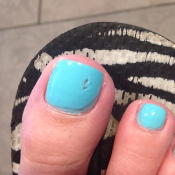 Gel Nails - Tampa, FL, United States. Worst pedicure ever. I