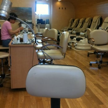 Boutique nails nail salons 1115 bloomfield ave for A list nail salon bloomfield nj