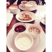 Muesli with yogurt and berry compote