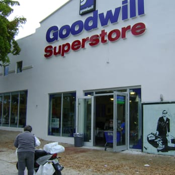 goodwill superstore thrift stores 982 sw 8 st the miami thrift stores miami on the cheap