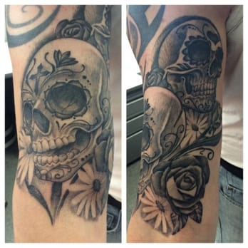 Metamorph tattoo studios tattoo parlours west town for Tattoo studio chicago