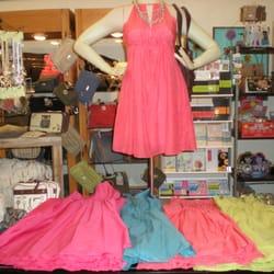Bliss 40枚の写真 婦人服 24 Market Sq Knoxville TN アメリカ