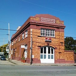 Prime Time Bar Grill Cajun Creole Restaurants Lower Garden District New Orleans La