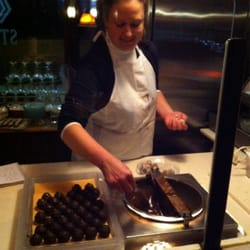 Chuck's Steak House - Check out Lauren! Making delicious chocolate balls ! Yummy - Danbury, CT, アメリカ合衆国
