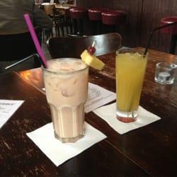 Baileys Colada und Malibu Ananas