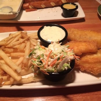Applebee s 50 photos 18 reviews traditional american for Applebee s fish and chips