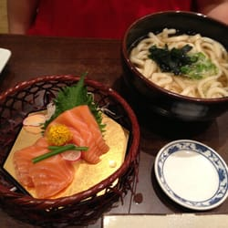 Udon soup and fresh salmon sashimi